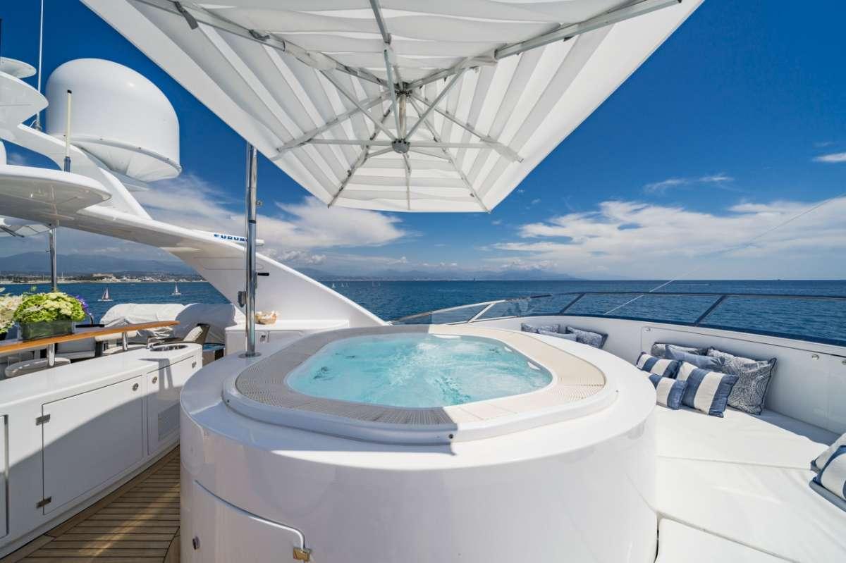 Yacht WILD THYME - 11