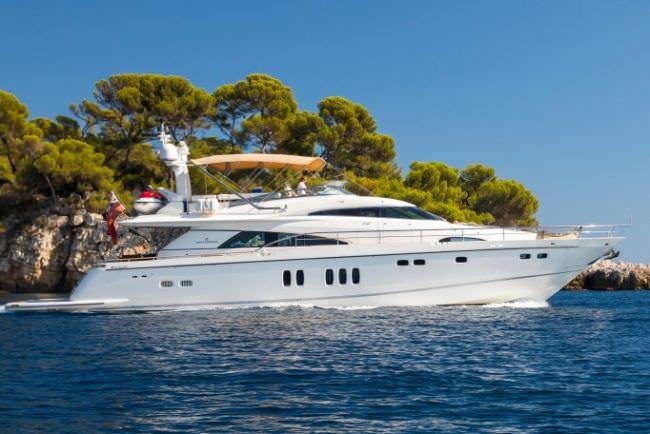 Yacht D5
