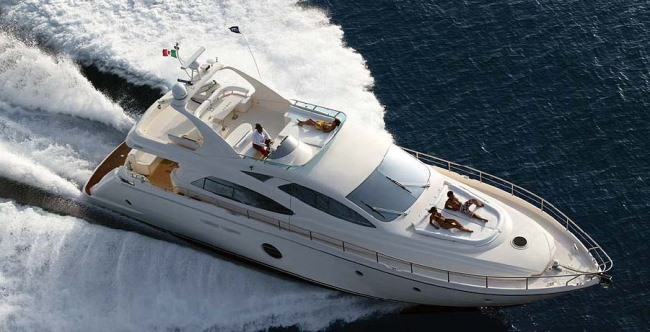 Yacht JULY
