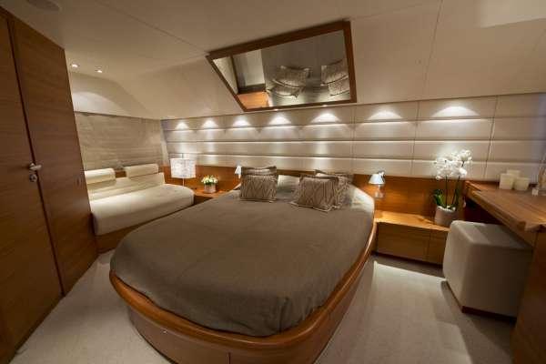 JULY VIP cabin