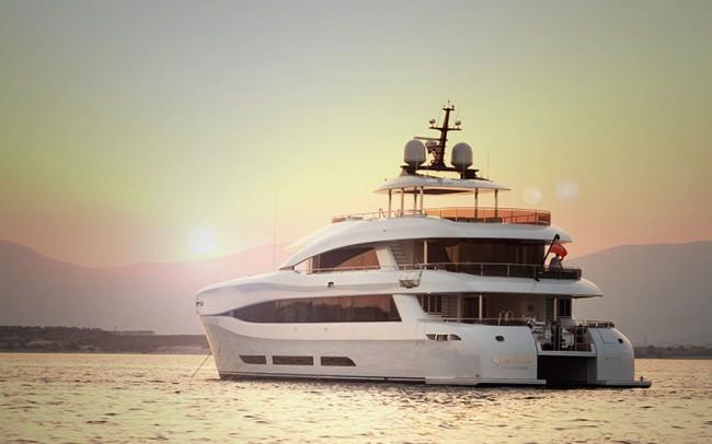 Yacht QUARANTA