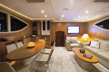 Yacht MISS B 3