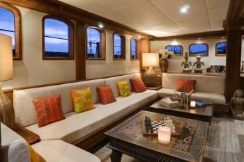 Yacht MUTIARA LAUT 2