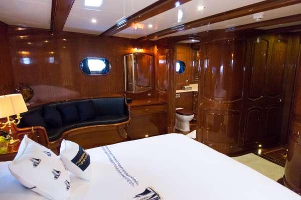 Yacht BLUE EYES - 11