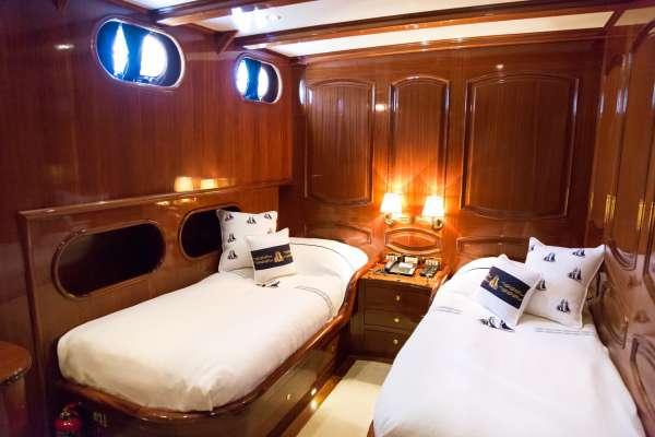 Yacht BLUE EYES - 8