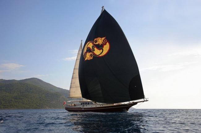 Yacht DAIMA