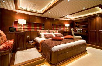 Yacht CLEAR EYES - 10