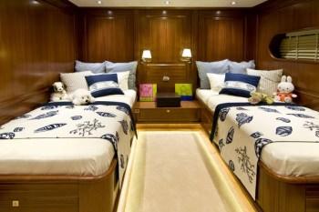 Yacht CLEAR EYES - 12