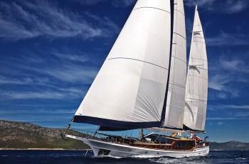 Yacht CLEAR EYES 2