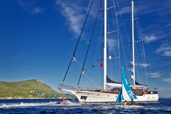 Yacht CLEAR EYES 3
