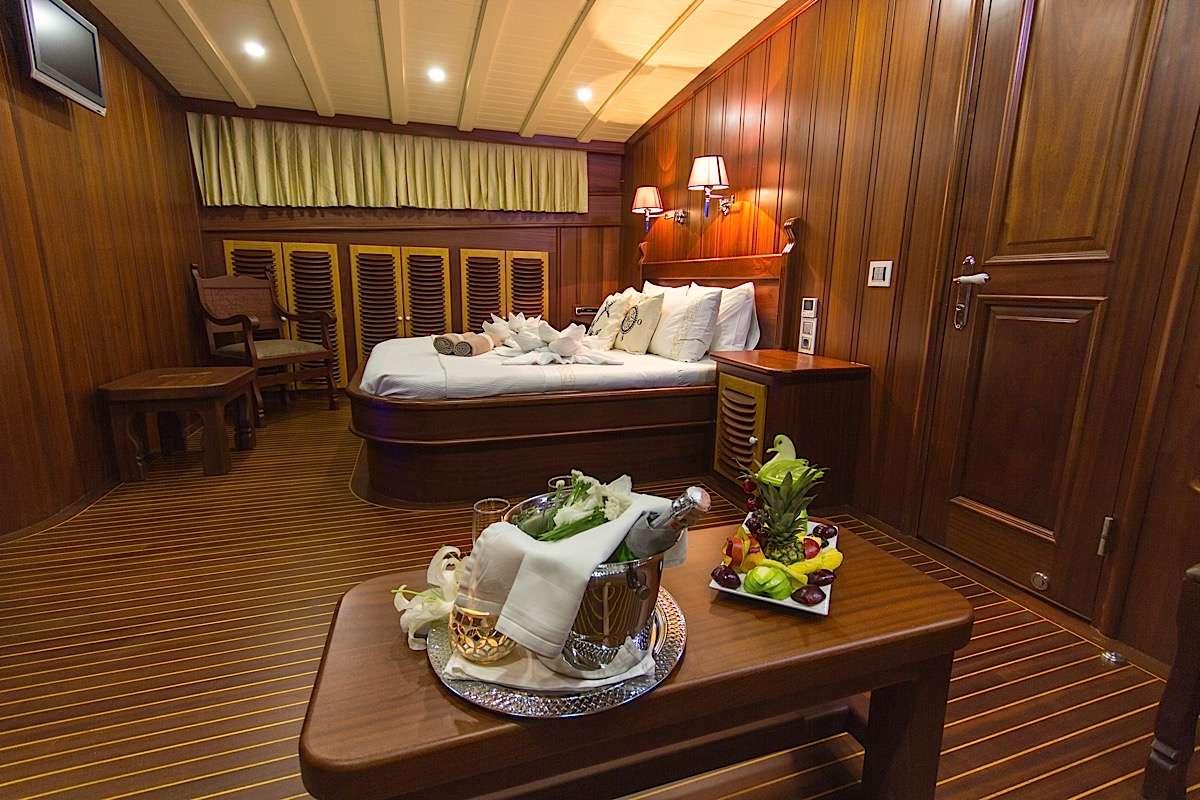 Yacht PRINCESS KARIA II - 14