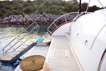 Yacht JABU - 10