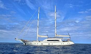 Yacht JABU - 18