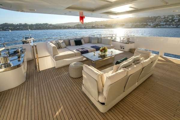 Yacht ENTOURAGE - 10