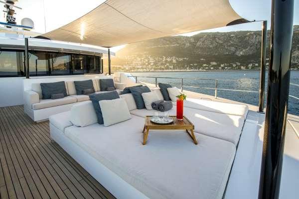 Yacht ENTOURAGE - 12