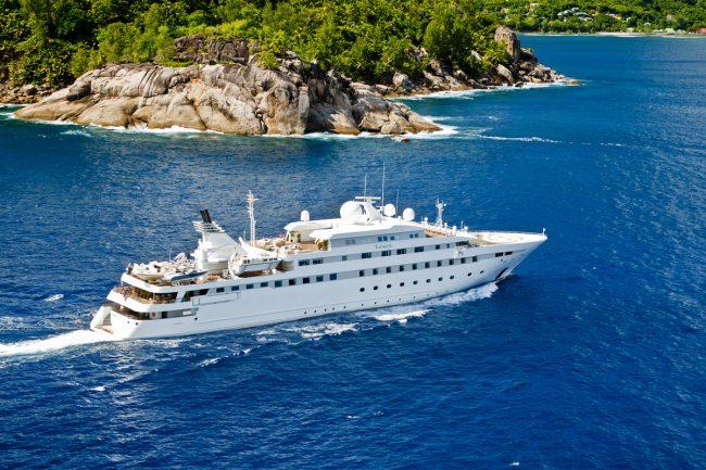 Yacht LAUREN L