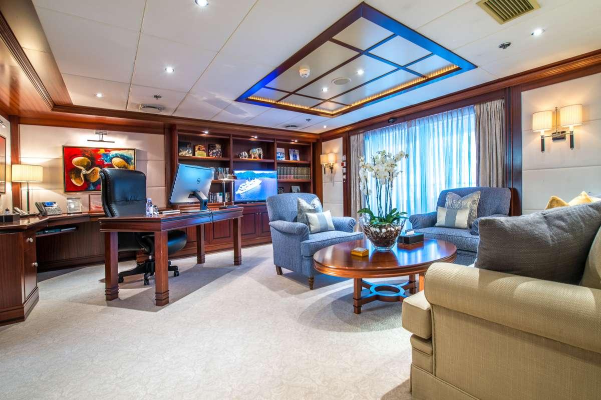 Yacht LAUREN L - 7