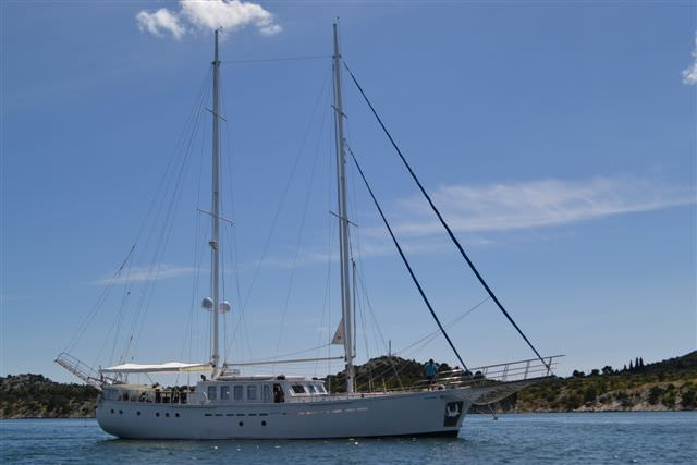 Charter with DVI MARIJE on compassyachtcharters.com