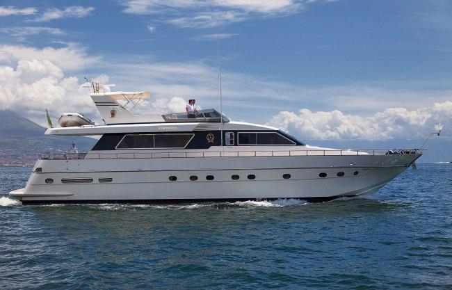Yacht BERNADETTE