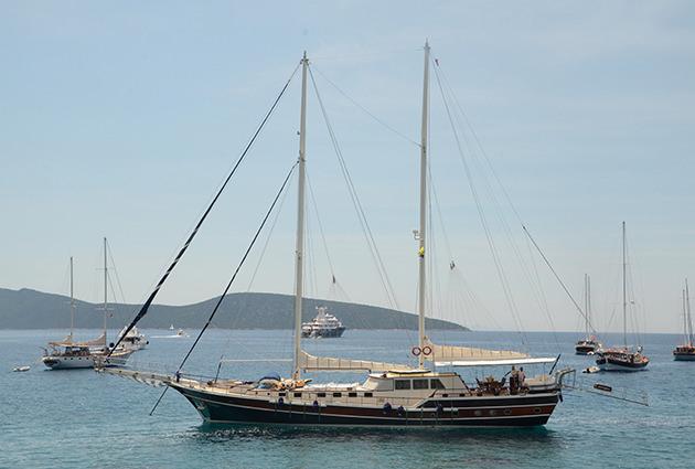 Yacht KANARYAM