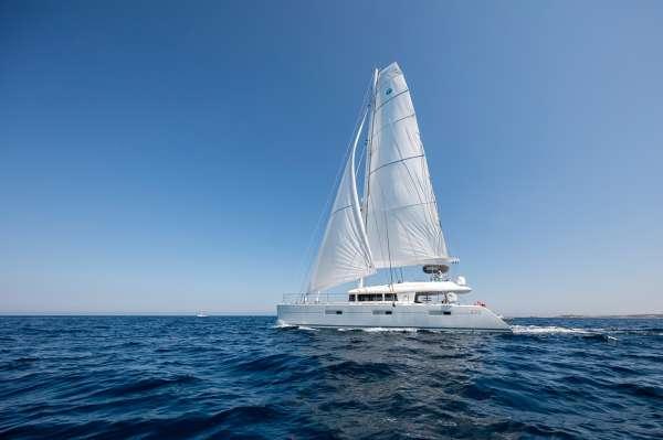 Yacht TWIN - 11
