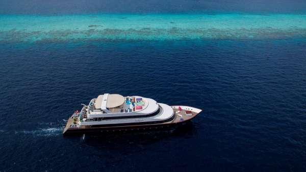 Yacht AZALEA - 16