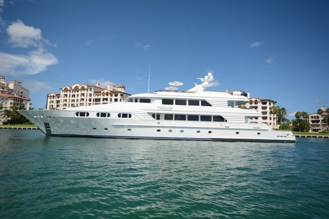 Yacht THEMIS