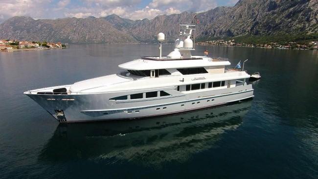 Yacht ALUMERCIA