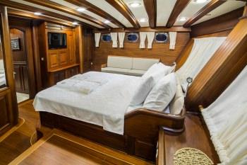 Yacht WICKED FELINA - 16