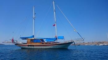 Yacht AMRA - 14