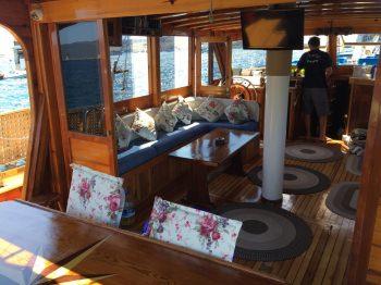 Yacht AMRA 3
