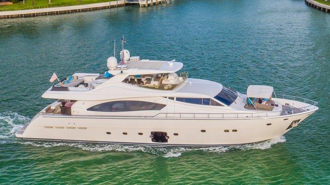 Yacht CINQUE MARE