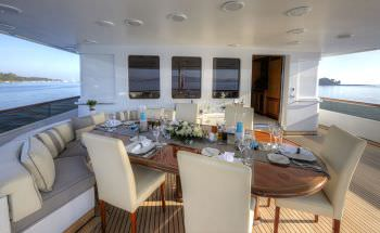 KANALOA  Bridge deck dining
