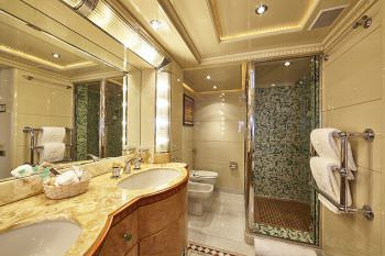KANALOA  Master suite bath