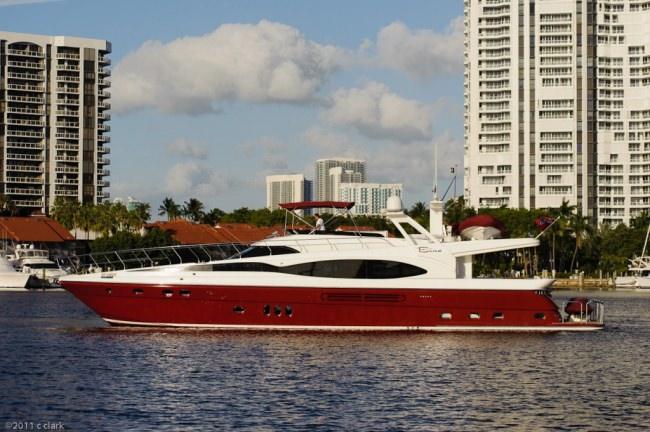 Yacht BINA