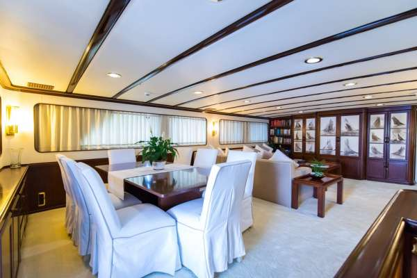 Yacht INDIA 3
