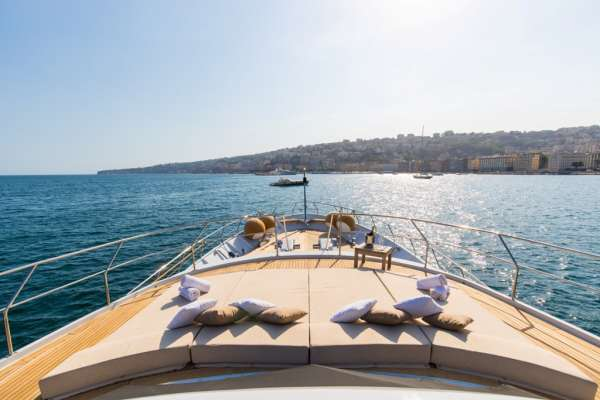 Yacht INDIA - 5