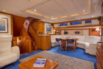 Yacht AZZURA 2