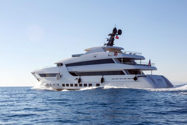 Yacht BEBE