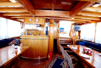 Yacht SYROLANA 2