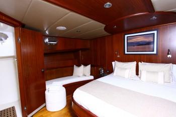 Yacht BESAME MUCHO - 7