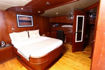 Yacht BESAME MUCHO - 8