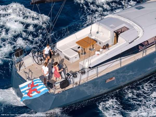 Yacht J SIX - 18