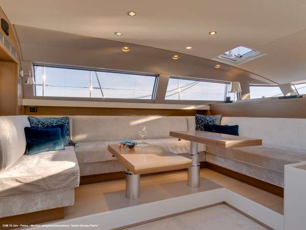 Yacht J SIX 2