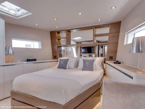 Yacht J SIX - 6