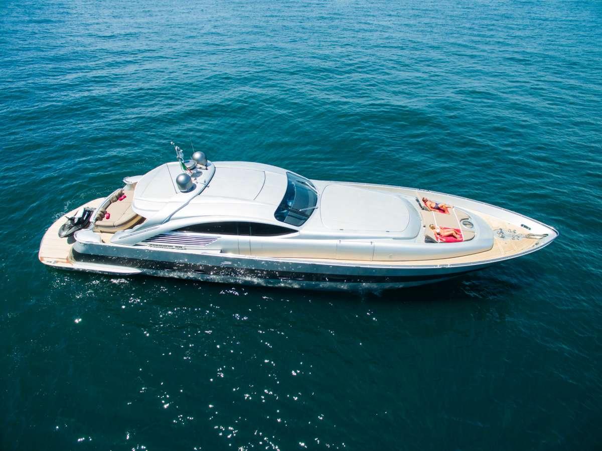Yacht CINQUE