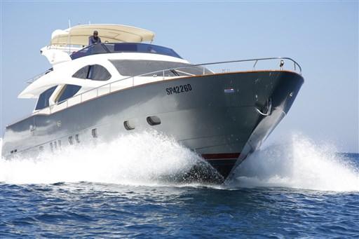 Yacht STREGA