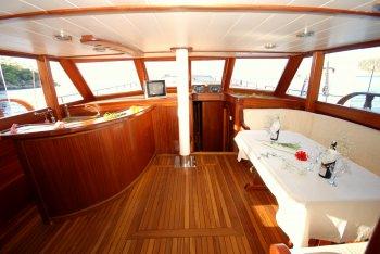 Yacht BE HAPPY 2