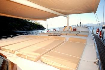 Yacht BE HAPPY - 4