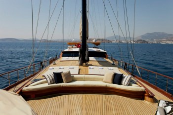 Yacht GORA - 12